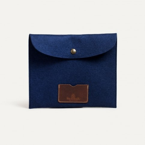 Miky iPad sleeve - Blue Felt
