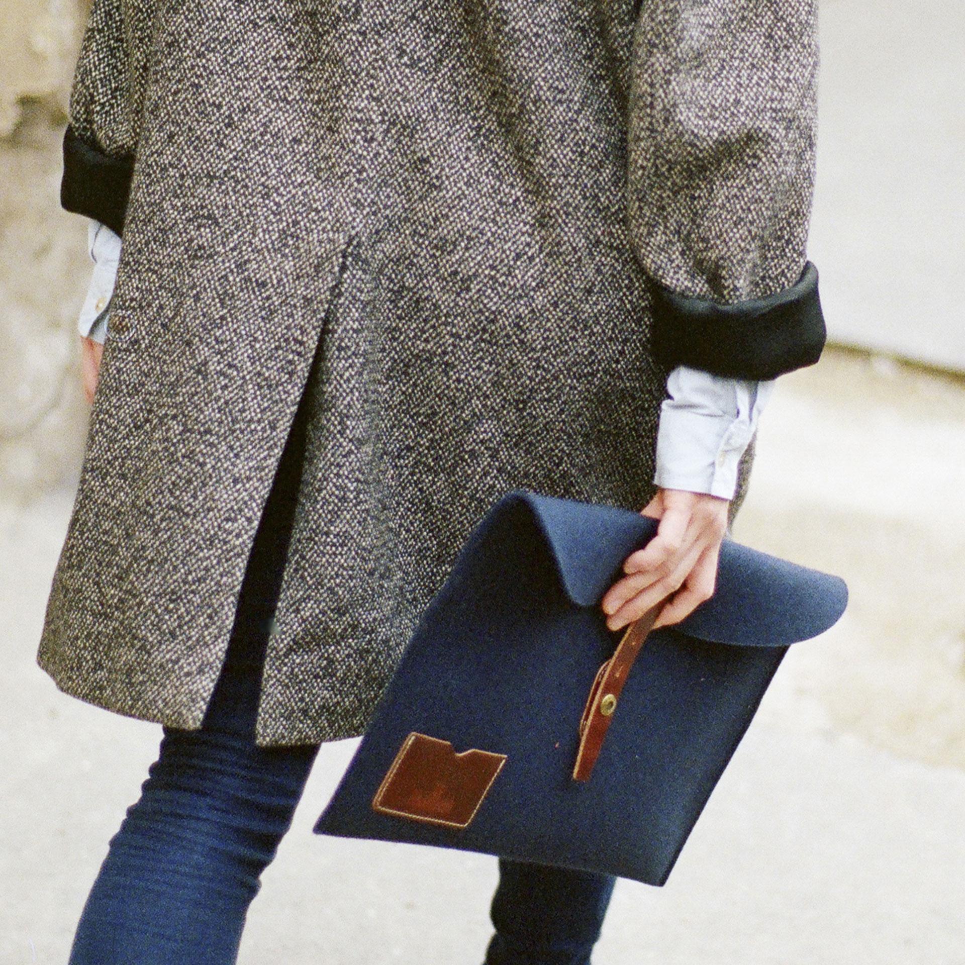 """Misha 13"""" Laptop sleeve - Blue felt (image n°3)"""