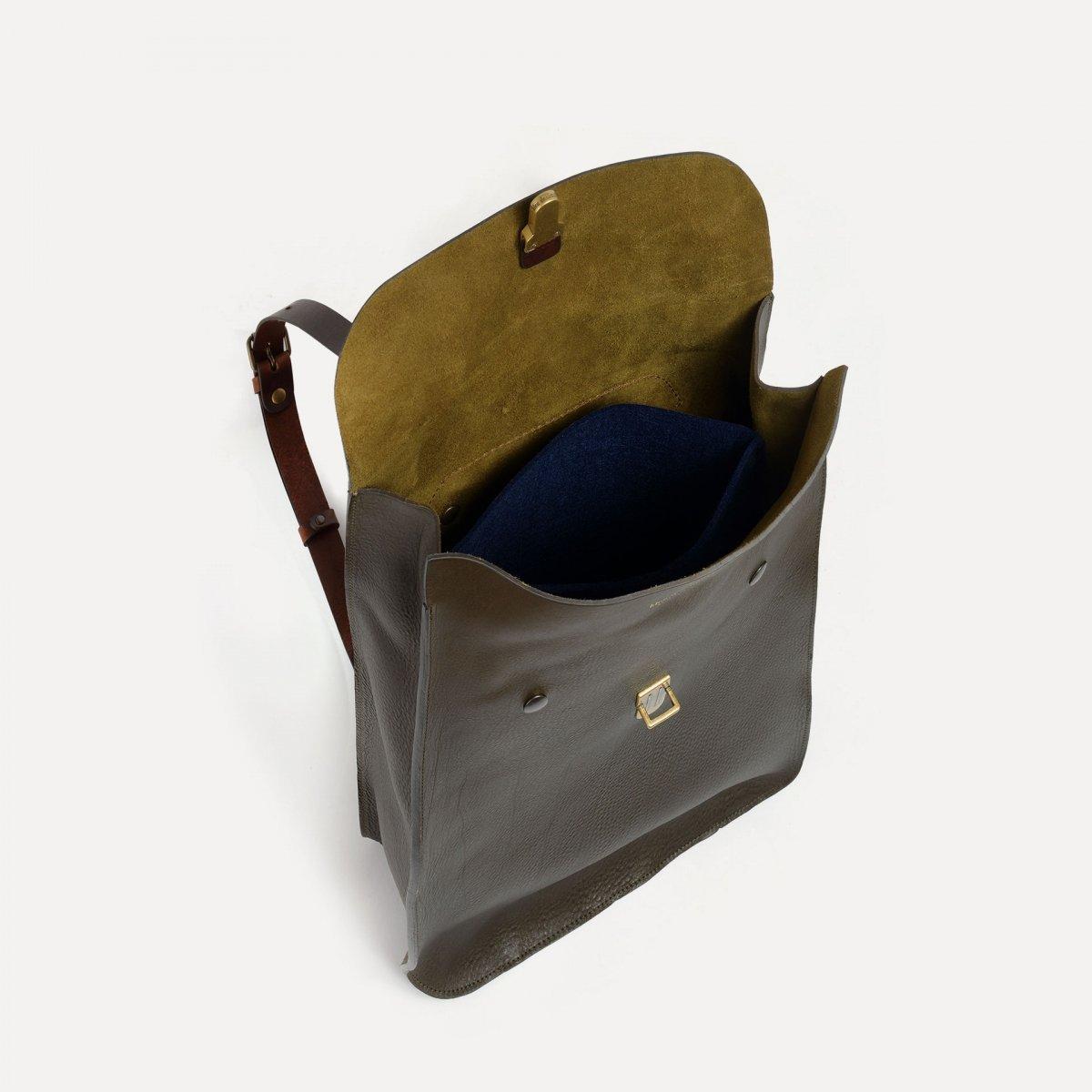 Puncho leather backpack - Khaki / E Pure (image n°4)