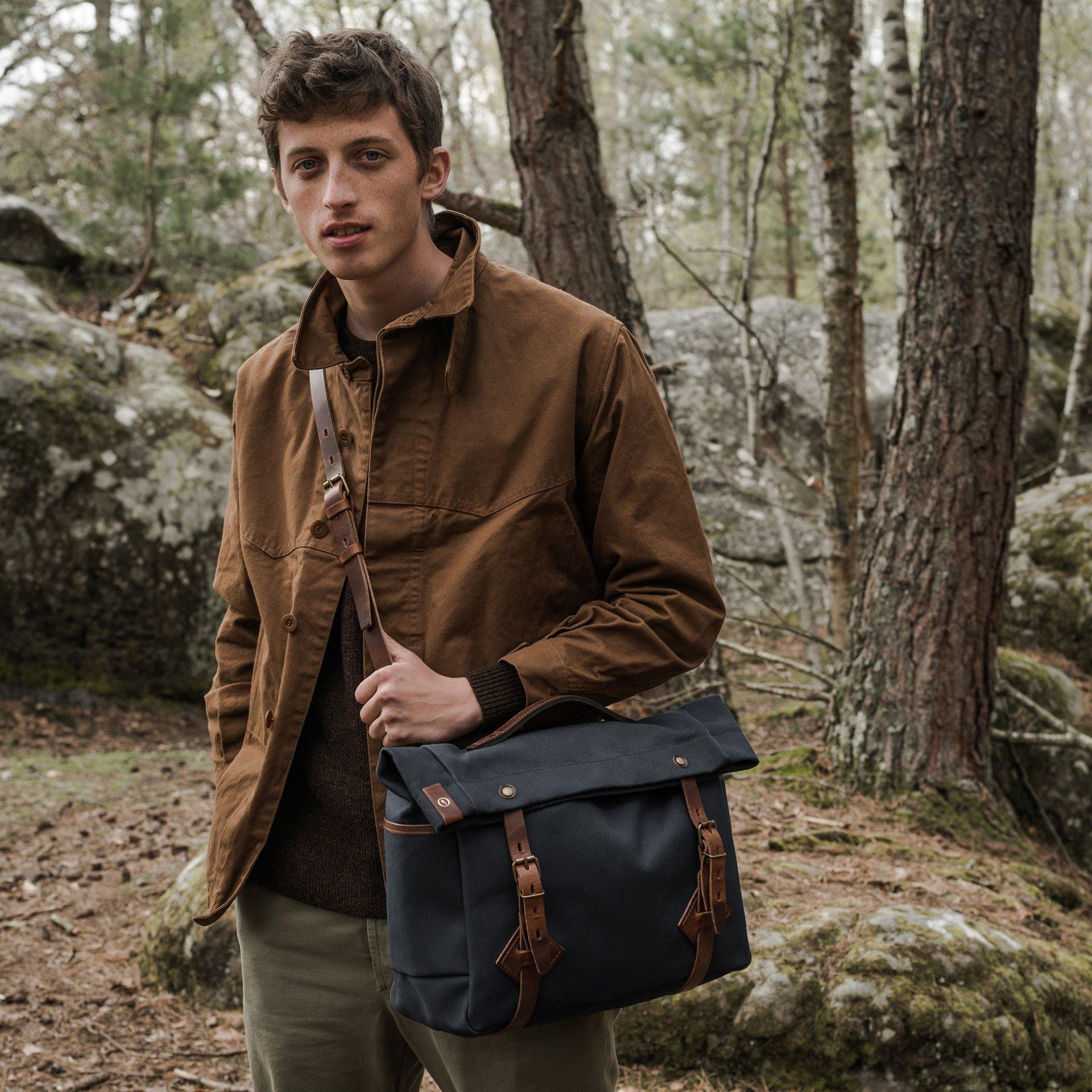 "Gaston tool bag – ""Musette""- Peacoat Blue (image n°5)"