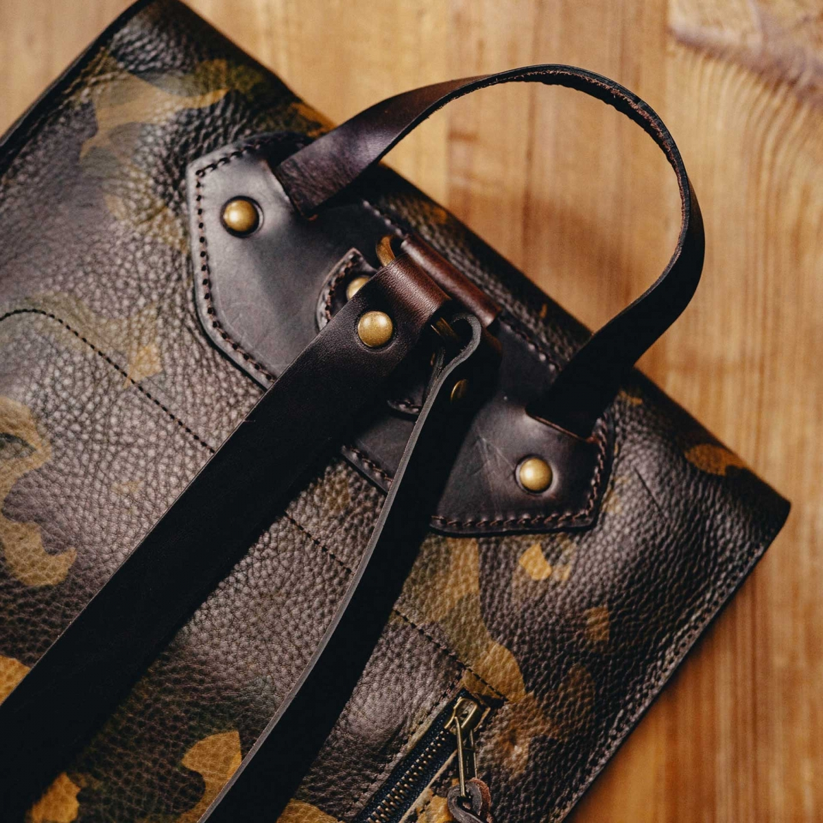 Puncho leather backpack - Camo (image n°6)