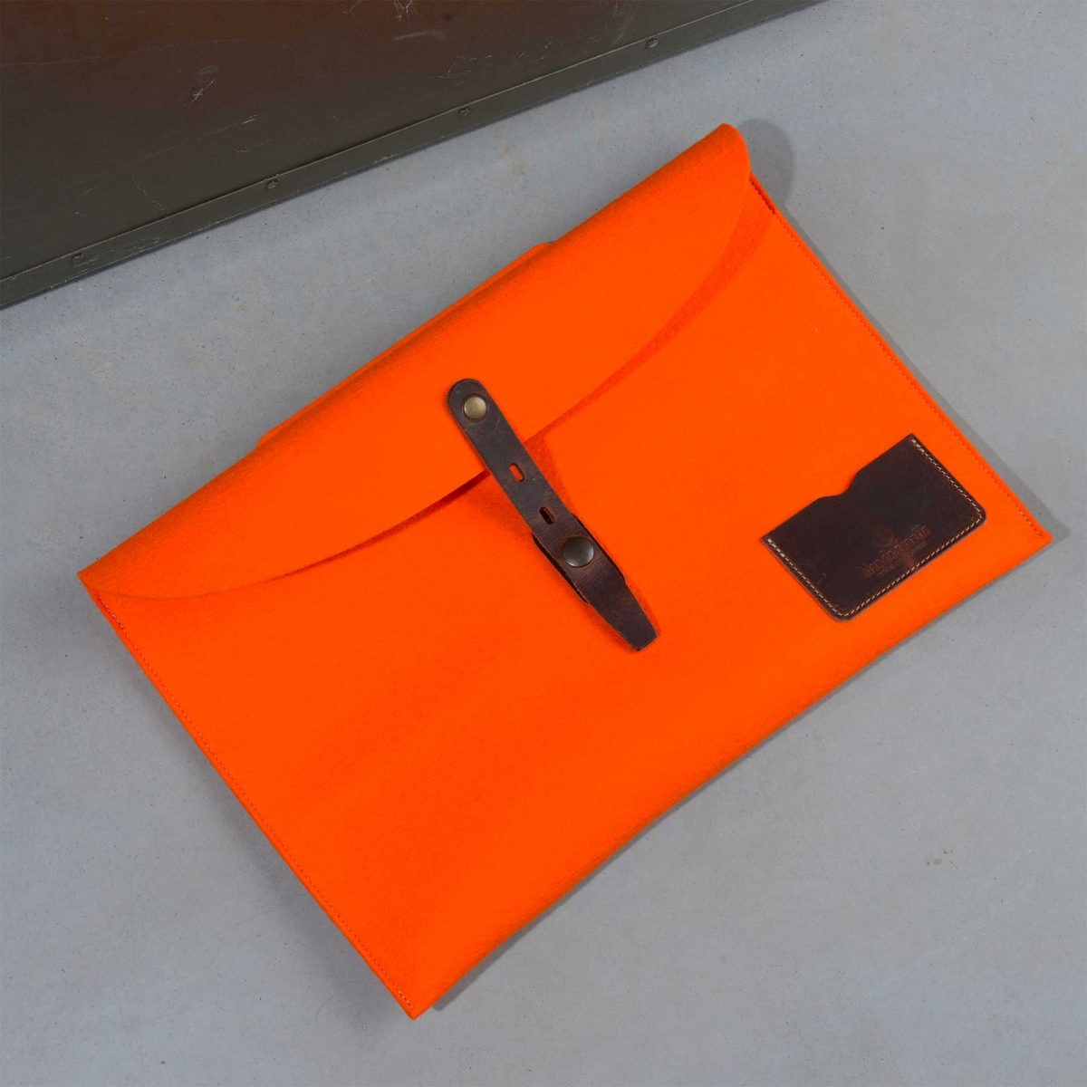 """Misha 13"""" Laptop sleeve - Orange felt (image n°2)"""