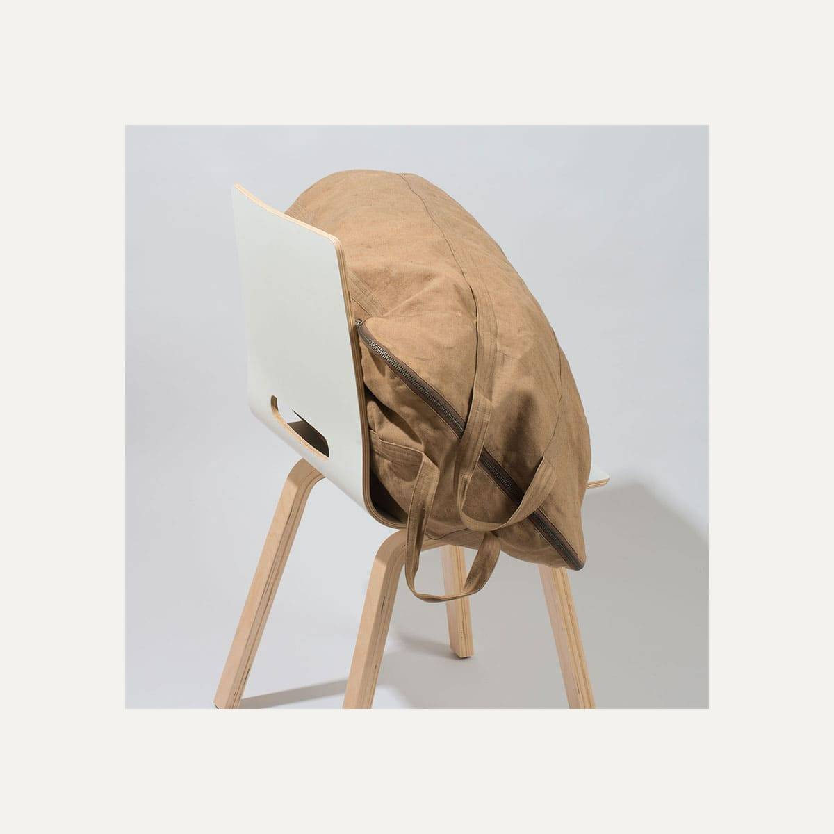 N°4: 'Cashew-colored' linen parachute bag (image n°9)