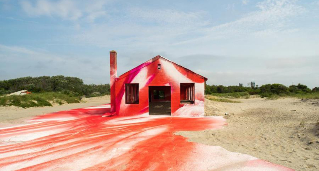 Katharina Grosse puts NY house in a colorful mist